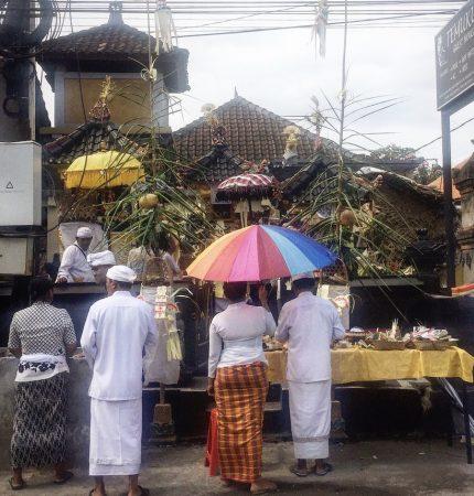 Balinese blessing in Canggu street